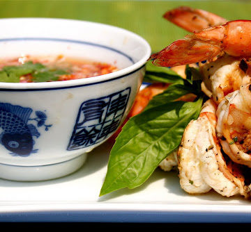 Grilled Basil-Garlic Shrimp with Chili-Lime Dipping Sauce