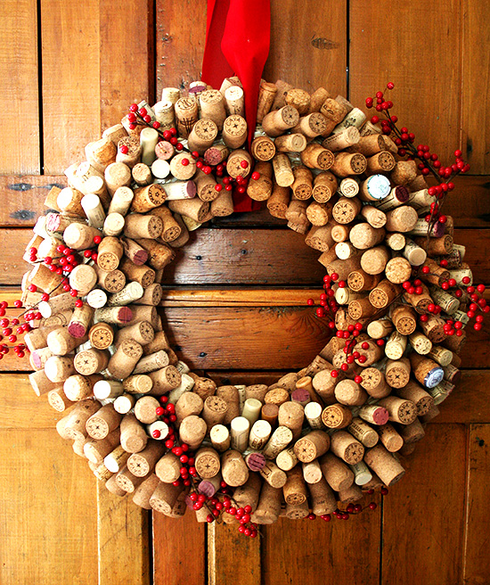 Cork Wreath: How To Make A Cork Wreath + Food-Related Gift Ideas