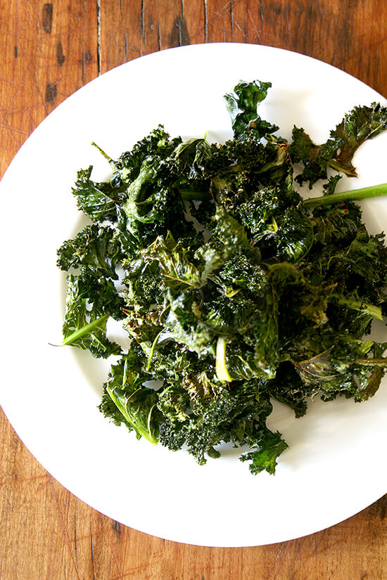 The most delicious, healthy snack you could imagine: crispy kale chips. Better than potato chips. // alexandracooks.com