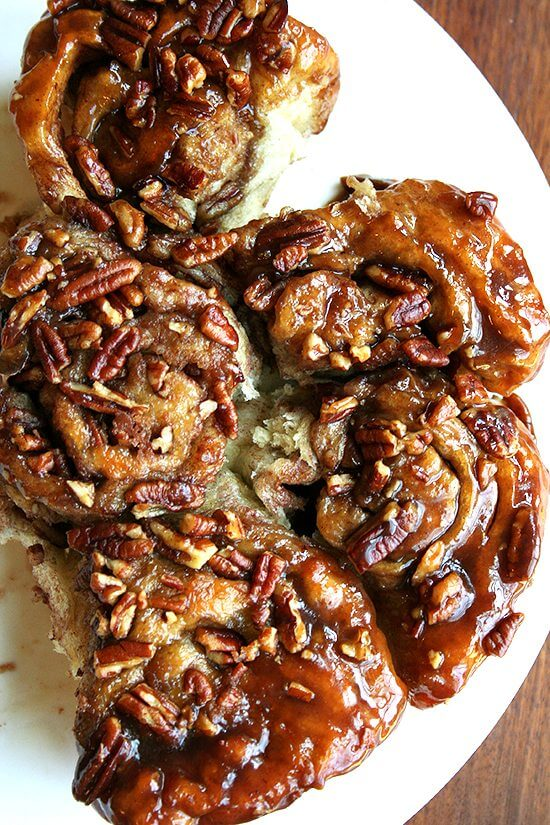 From the Artisan Bread in Five Minutes a Day cookbook, these sticky pecan caramel rolls, covered in rich caramel and pecans, are a definite crowd pleaser. Looking for a Labor Day Weekend morning treat? These are for you. A delectable recipe! // alexandracooks.com