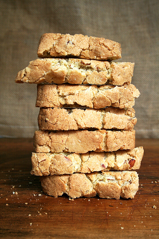 baked almond biscotti