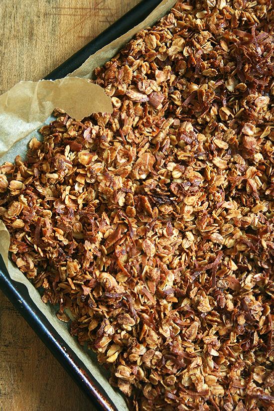 almond coconut granola