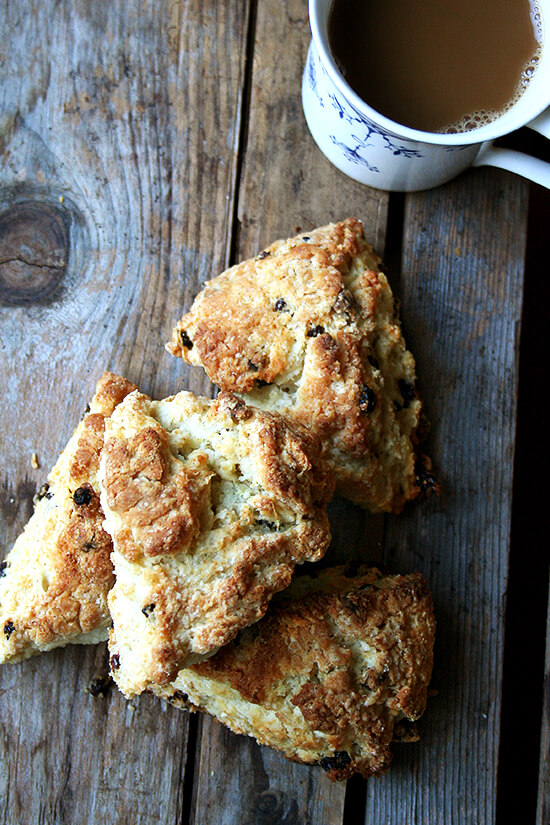 Tartine's currant scone recipe