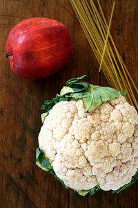 cauliflower and apple