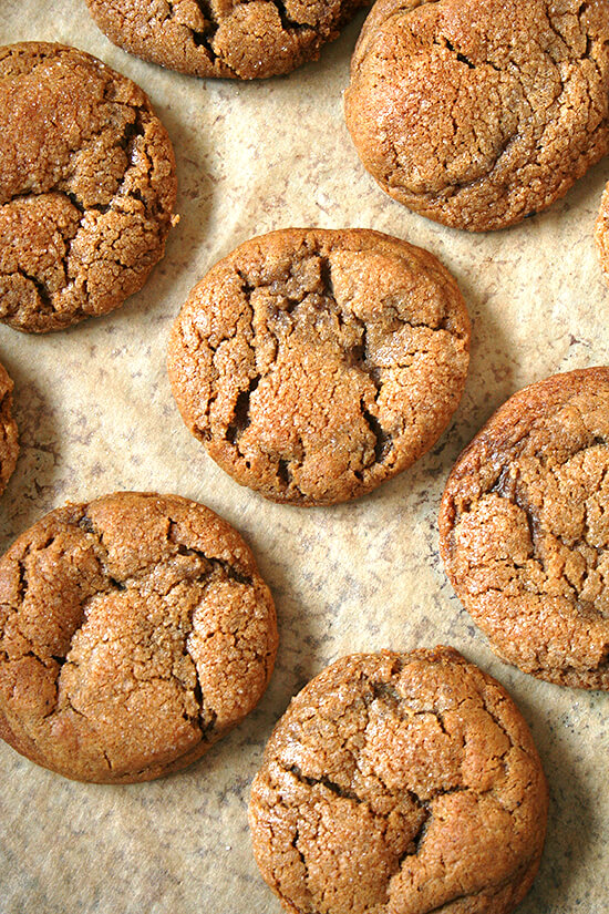 The very best molasses crinkles.