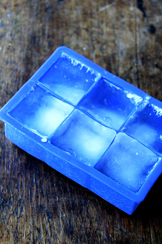 giant square ice cube tray