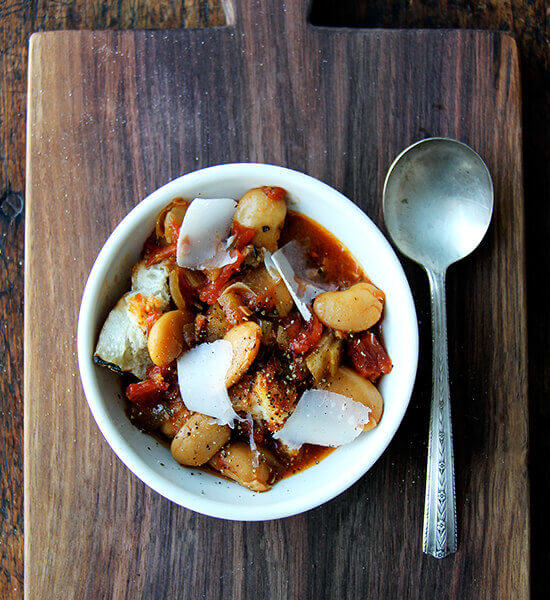 Slow Cooker Gigante Beans with Tomatoes and Pancetta (or Not)