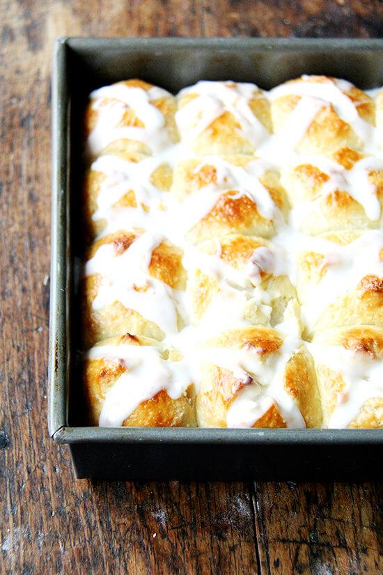 overnight hot cross buns