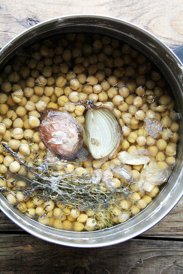 onion, thyme, chickpeas