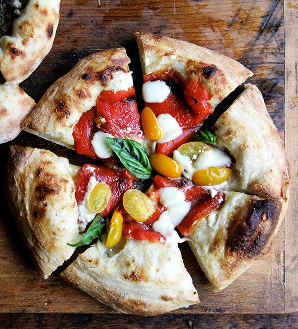 pepper tomato pizza