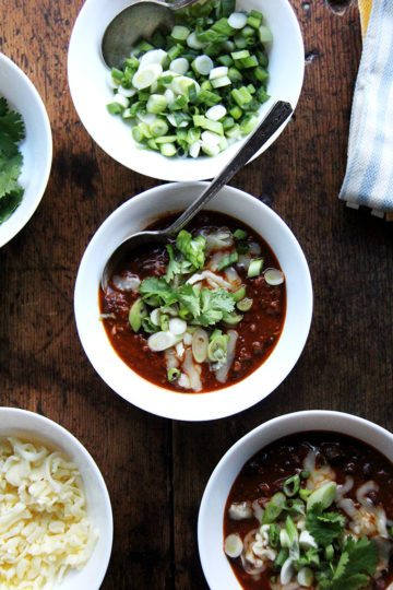 Weeknight Chili + A Few More Ideas for Super Bowl Sunday