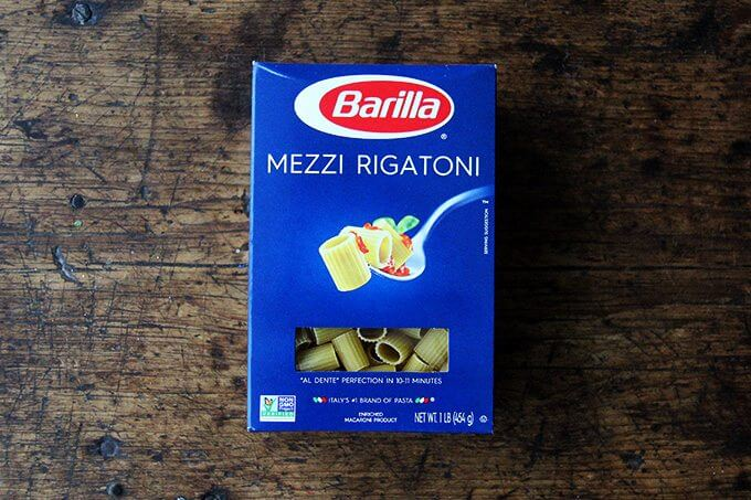 A box of mezzi rigatoni.