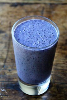 Violet's Big Blueberry-Almond Smoothie