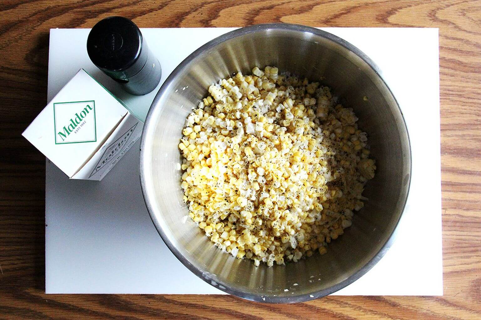 A bowl of corn kernels