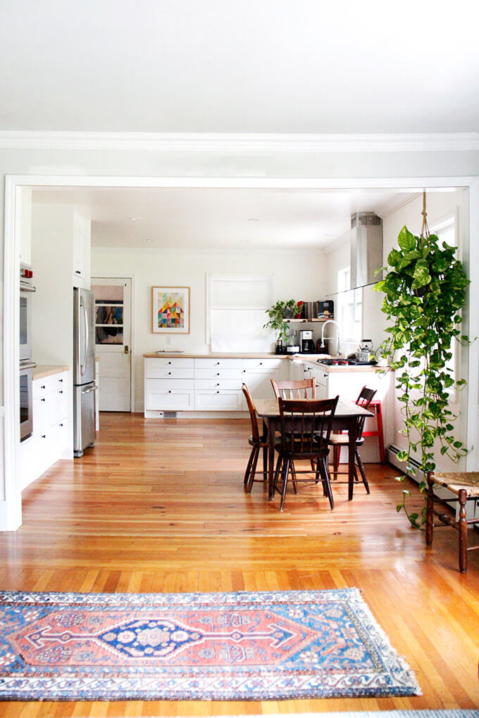 A photo of a recently remodeled kitchen.