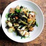 crispy tofu and broccoli with peanut sauce