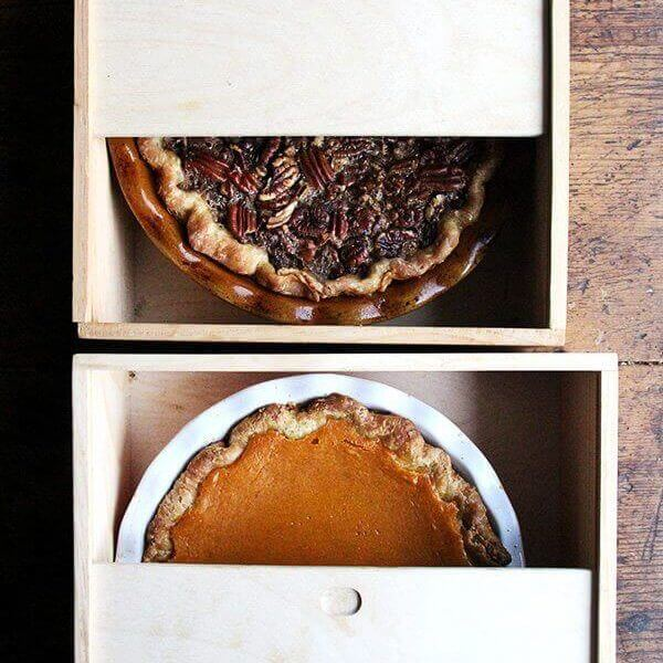 Pie Boxes with Pies