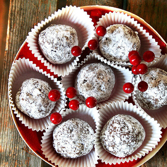 Rum Balls — So Easy, So Pretty, So Delicious