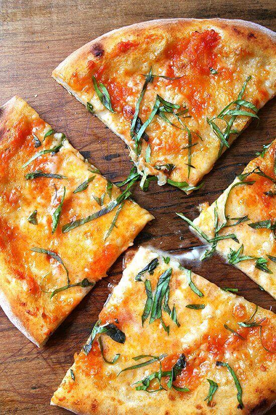 homemade pizza margherita