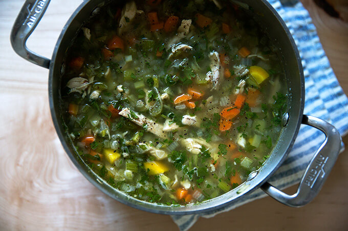 How to make chicken soup from leftover