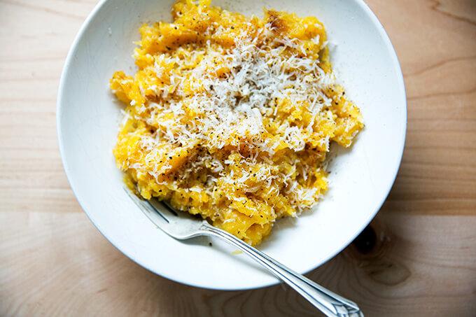 cacio e pepe spaghetti squash