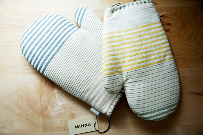 A pair of Minna oven mitts.