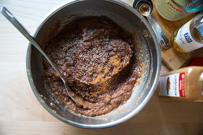 seasoning the apple-date butter purée