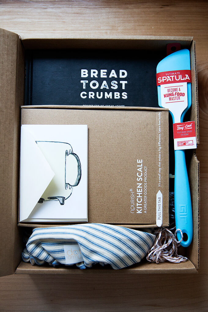Bread Toast Crumbs Kit in a box.