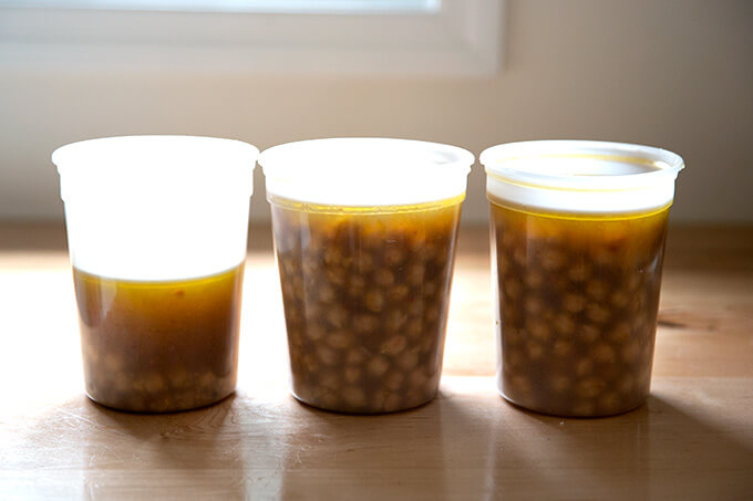 Three quarts of cooked slow cooker chickpeas.