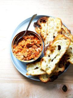 A plate of Korean hot tuna aside toasty bread.