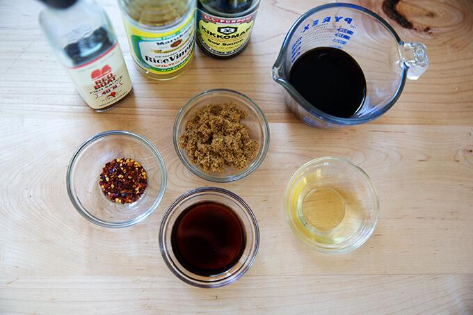 Sauce ingredients for Rad Na Thai.