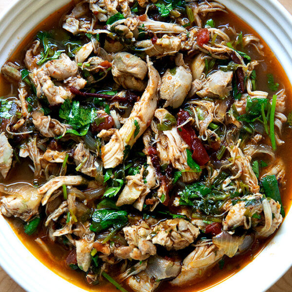 A bowl of Instant Pot chicken tinga.