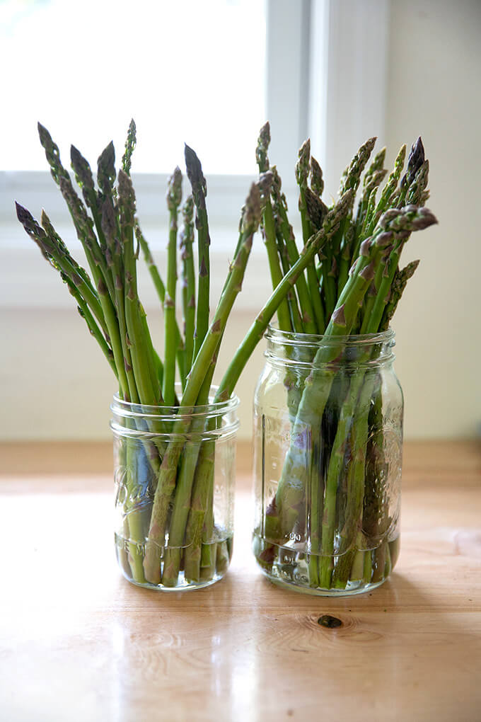 Asparagus in jars.