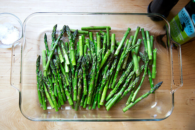 Asparagus, unbaked, in a baking dish.